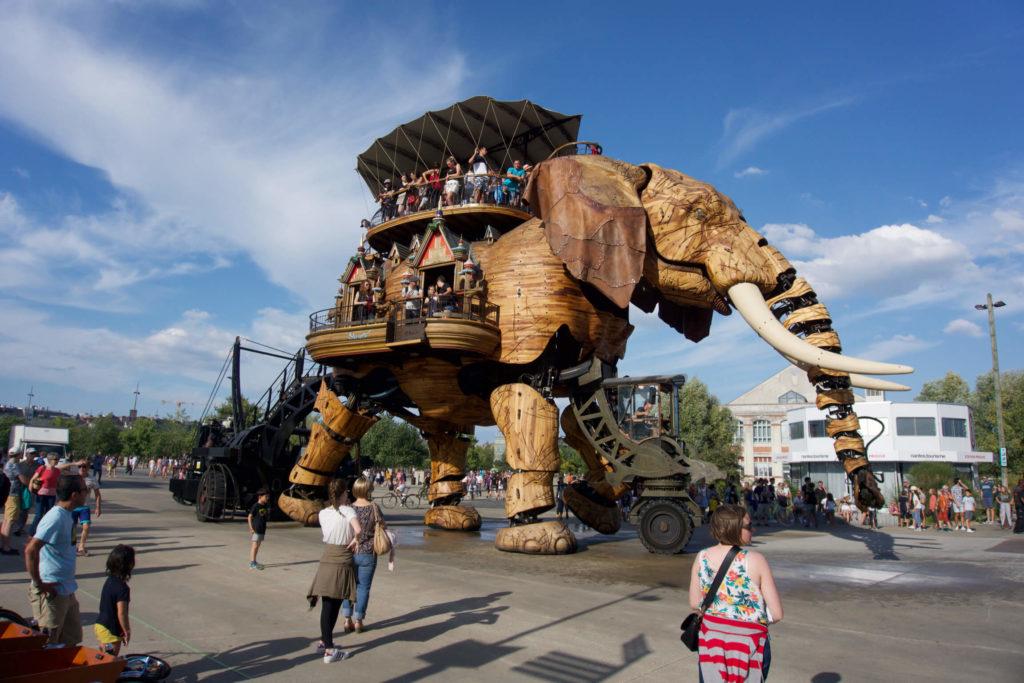 El Elefante Gigante paseando por Lîle de Nantes