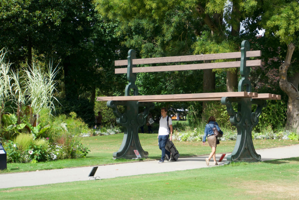 Jardin des Plantes con estructuras gigantes en Nantes